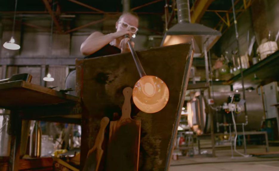 Blown Away, uno de los artistas con la técnica del soplado