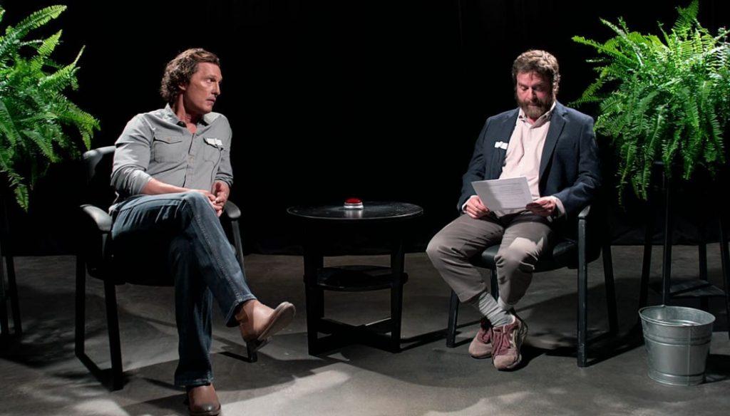 Entre dos helechos, la película una de las entrevistas